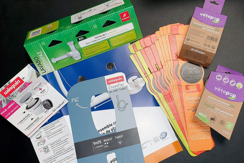 Produits d'emballage avec découpe et rainage